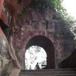 Une jolie promenade permet d'accéder au buddha
