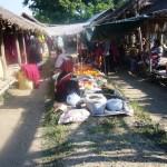 Marché birman dans un village au bout du lac Inlay