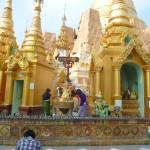Le temple de Schwegzadon à Yangoon