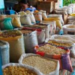 Les odeurs et les couleurs du marché comme découverte de l'Equateur
