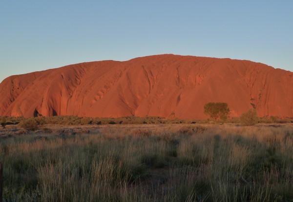 Uluru: un rocher sacré au milieu du désert