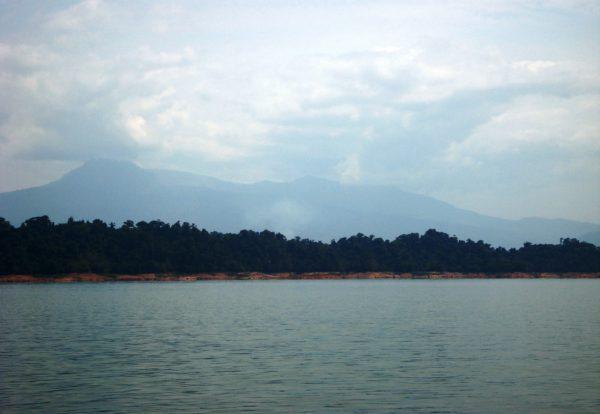 Le lac Ang Nam Ngum, un oasis au milieu du Laos