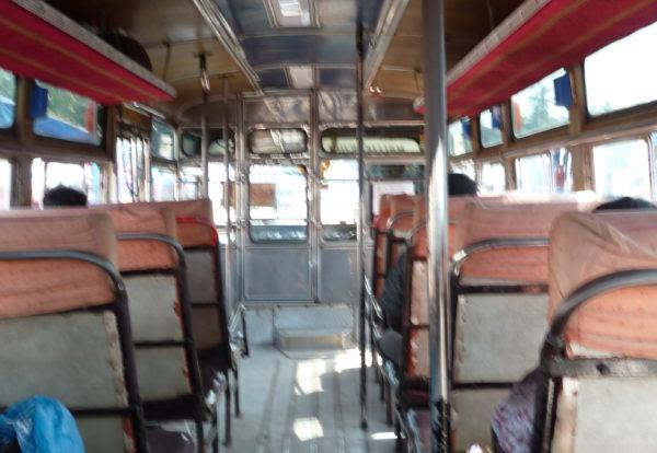 Le bus local: Une petite épopée