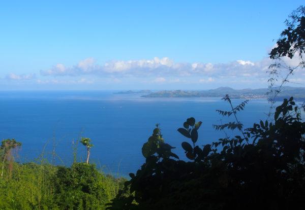 De part et d'autre de l'île